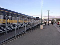 アラスカ鉄道 アンカレジ駅に到着です。 20時です。