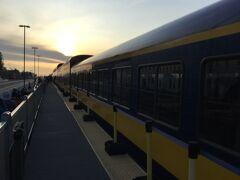 アラスカ鉄道 アンカレジ駅に到着。 丁度20時です。 時間通りです。