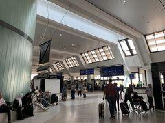 12:28 アルジェ空港着陸 みんな順調に入国する中、約1名ちょっと時間かかりました 怪しいアフリカのスタンプが原因かも?w