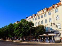 朝から雲ひとつない快晴のリスボン! こちらは、ロシオ広場。 日差しは強いけど、空気が乾燥しているのでとても爽やか。