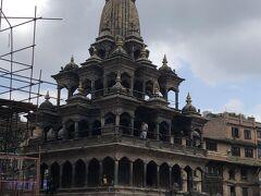 クリシュナ寺院 ネパールでは珍しい石造り。美しい建物でした。