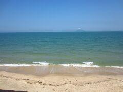 海の方に来ました。芥屋の大門を探しに。どこから船に乗れるのだろう。