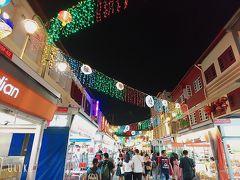 道路に人はいませんが、チャイナタウンは人がまだたくさん。お店も賑わってます。