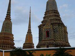 涅槃仏寺院「ワット・ポー」の営業時間に間に合いました.