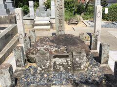 出雲大社へ向け歩いてたら途中にあった 「出雲阿国のお墓」