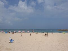 ラグナガーデンホテルから歩いて10分ぐらいでトロピカルビーチに着きました。 結構晴れてきたな。