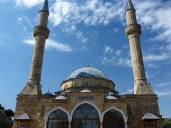Mosque of the Martyrs  殉教者のモスク  (Baku)
