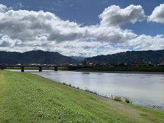 球磨川を見てみようと来てみました 台風の影響か、水は濁っています
