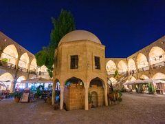 ビュユック・ハン。昔のキャラバンサライ(隊商宿)。 キプロス島で最も美しい建物とも言われています。 今はショッピングモール風になっています。