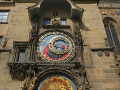 天文時計(旧市庁舎の塔の南側になります)