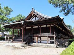 三経院(鎌倉時代・国宝) 南側は、三経を講義するためのお堂に改造されました。