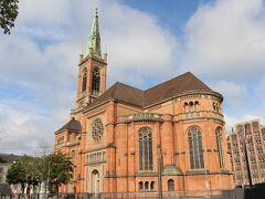 10分くらい歩いてヨハネス教会へ。