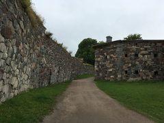 でも流石要塞都市、ちょっと歩くと街の至る所に防護壁があります。そして散策していると大分天気が悪くなってきました…