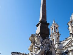 有名なナボォーナ広場の四大河の噴水 天使と悪魔の水の枢機卿が沈められましたね