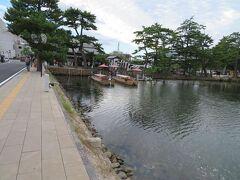 このあとは、ここ「大手前広場乗船場」から堀川めぐり遊覧船に乗ります。  (つづく)