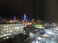 """ライトアップされた""""青森ベイブリッジ"""" 47都道府県の中で最後の訪問地となっていた青森♪ 明日は津軽半島・竜飛岬へ行きます。"""
