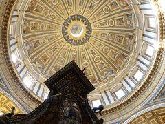 ミケランジェロ作の大円蓋(クーポラ) ~ ベルニーニの大天蓋(バルダッキーノ) < サンピエトロ大聖堂