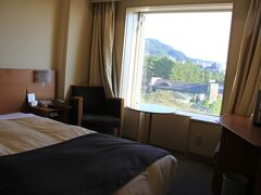 16:45頃ホテルクラウンパレス北九州に到着。 客室に荷物を置いて夕食まで周辺を散策。