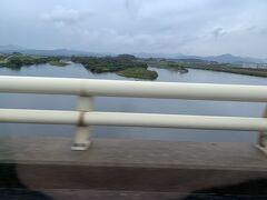 10:18、日野川を渡ります。