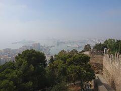 ヒブラルファロ城から眺めたマラガ港