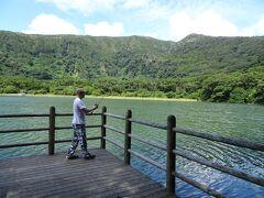 朝ごはんを実家でご馳走になってから、大路池へブラックバス釣りへ。 三宅島に行く方にはオススメの場所です。 「東京都にこんな場所があるとは…」 地元出身の私でも行くたびに神秘的な不思議な感覚になります。