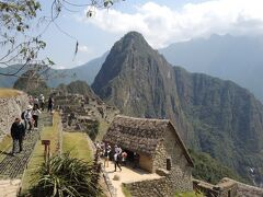 マチュピチュといえば 有名すぎるあの山は ワイナピチュ。  登れるよ。
