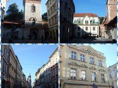 街の中に入った瞬間、ドブロブニクでピレ門から旧市街に入った時の記憶がよみがえってきました。 門から続く大通りと、右側の噴水がすごく似てるなあと思いました。 歴史ある建物にはマックやスタバ、カルフールなど有名チェーンのお店が入ってます。 クラクフは11世紀から600年ほどの間、ポーランドの首都として大変栄えていたそうで、日本の京都によくたとえられます。 そしてクラクフ旧市街は近くのヴィエリチカ岩塩坑と合わせて世界遺産第一号に選ばれています。