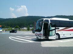 横川サービスエリアです。 ここまで来ると車は多いですが、渋滞はありません。