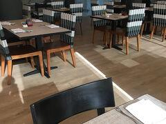 2日目は朝ごはんから。 朝ごはん会場は一か所で、ロビー横のレストラン。
