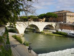 ケスティウス橋 Ponte Cestio ~ テベレ川 ~ ティベリーナ島 Isola Tiberina