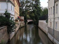 静かな水路。