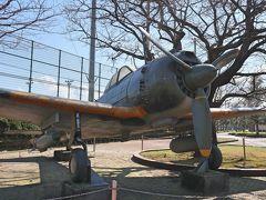 知覧平和公園 公園の屋外に展示してある一式戦闘機「隼(はやぶさ)」の原寸大レプリカです。