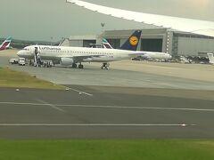 無事デュッセルドルフ国際空港に到着です。