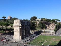 本日も朝から観光です コンスタンティヌスの凱旋門 パリの凱旋門はこれの真似だそうですわ