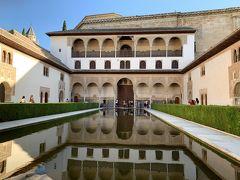 ナスル朝宮殿のアラヤネスの中庭です 水面に映える建物が綺麗です。