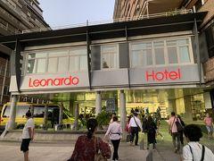 本日お世話になるレオナルド ホテル グラナダです。 目の前の道路の上り線と下り線の間が公園のように整備されており、散策できました。
