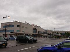 6:10 富山空港に到着。天気はあまりよくないです。