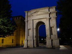 カステルヴェッキオとスカリジェロ橋の横にあるガーヴィ門