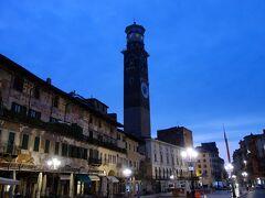 シニョーリ広場にあるランベルティの塔