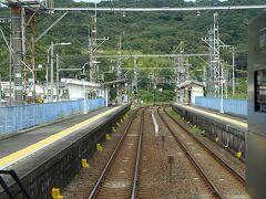孝子駅通過。
