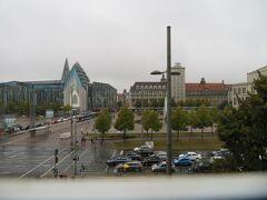 部屋から見えた風景  左がライプツィヒ大学 大学というか新興の教会のように見えました。 医学部が有名で森鴎外が留学していた