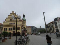 町の中心地マルクト広場  月曜日の平日なので広場に出店はありませんでした