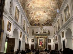 トレドの大聖堂の近くにあるサントトメ教会の天井の絵画もとてもすばらしかったです。
