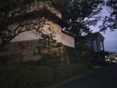 途中高崎城址跡。暗くなってしまったなあ。