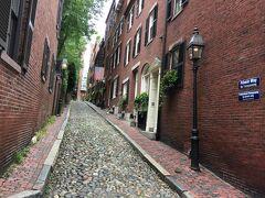 エーコン通り ボストンで一番有名な通りだそうです。