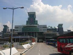 シンガポールに入国しました。