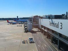自宅最寄駅から京成線で成田空港へ約30分、第3ターミナル到着。  今回はLCCのジェットスター(https://www.jetstar.com/jp/ja/help/articles/nrt-t3)で出発です。