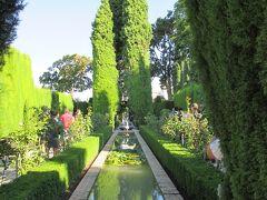 ヘネラリフェは「水の宮殿」とも呼ばれており、歴代の王達が休暇を過ごした夏の離宮です。