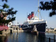 アメリカンウォータフロントから、トランジットスチーマーラインというボートに乗って移動します。楽ちん♪ SSコロンビア号が見えてきました。 いつか、こんな船に乗って船旅がしたいな♪ (人´∀`).☆.。.:*・゚