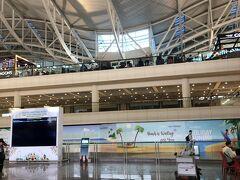 DPS デンパサール空港ですが 正式名は バリ・ングラ・ライ国際空港
